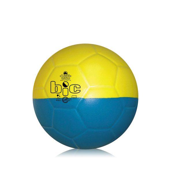 Pallone bicolore per l'apprendimento delle abilità tecniche nel calcio