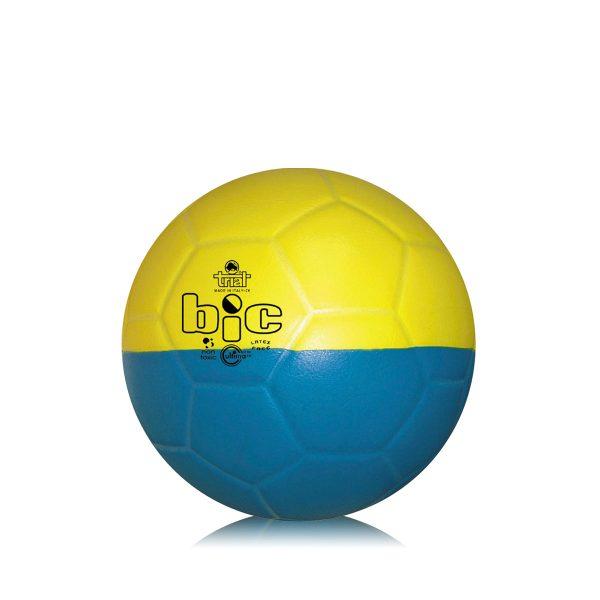 Pallone bicolore per l'apprendimento delle abilità tecniche nella pallamano Femminile